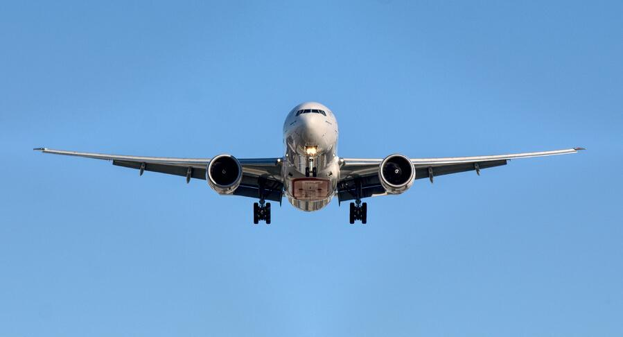 Commercial Aircraft Flying